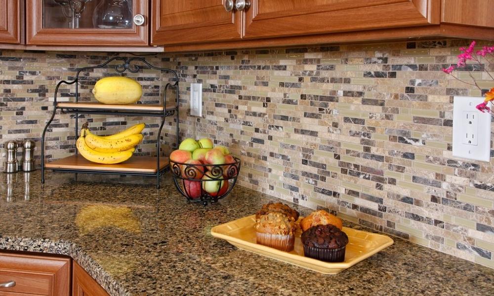 Чем выложить рабочую зону на кухне