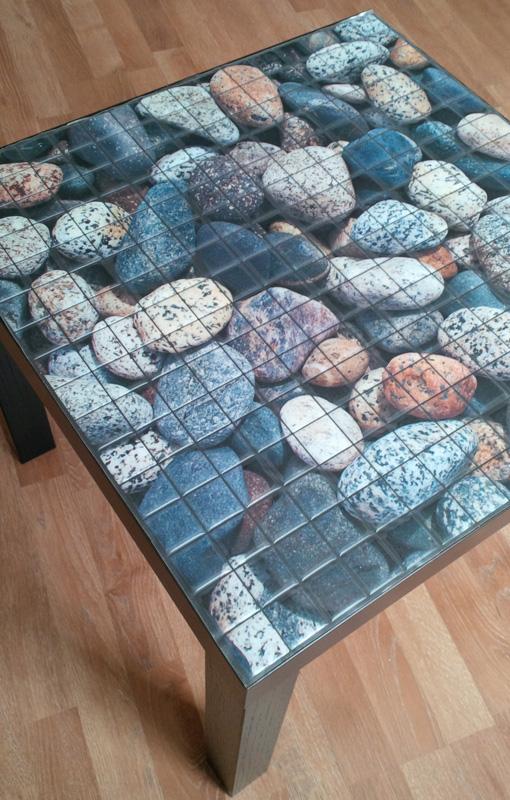на столике мозаика
